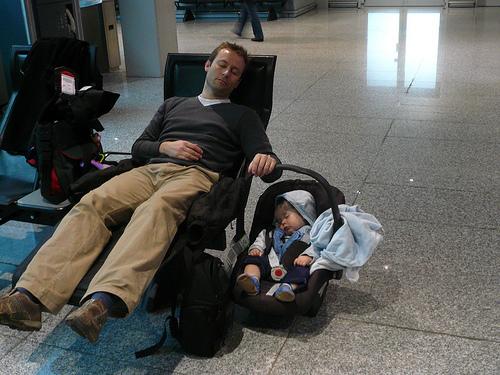baby airport photo