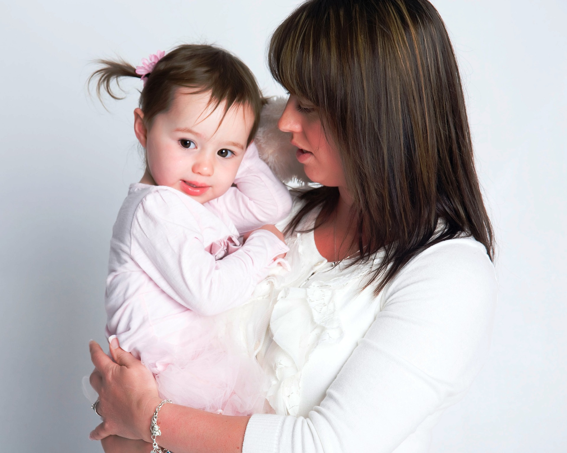 mother-and-daughter-2078075_1920